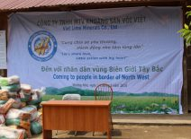 Give 130 gifts to people in Chung Chai commune, Muong Nhe district